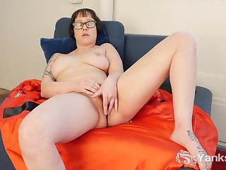 Girl In Glasses Vi Toy Her Snatch