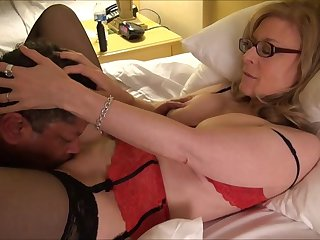 Nina Hartley's cunt lick lesson w..