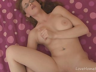 Busty glasses getting her wet snatch..
